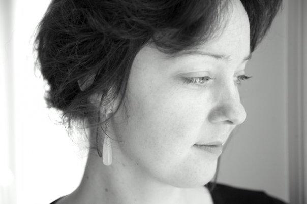 Cecilie i sort og hvid