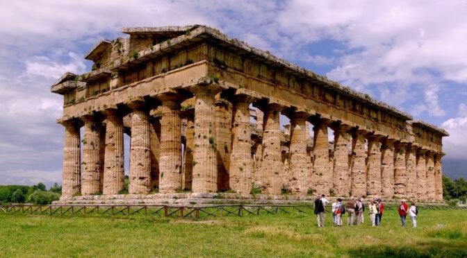 En times kørsel syd for Napoli finder du det landlige og græske Campania