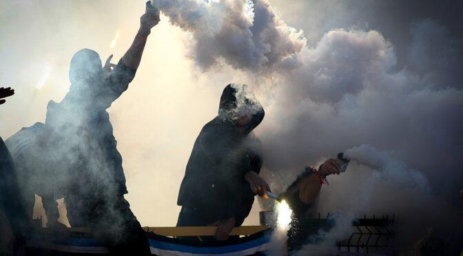 Nyt instruktørtalent går tæt på Napolis fodboldkultur i filmen 'Ultras'