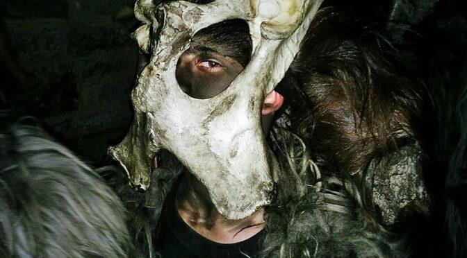 Guide: Lige nu går Sardinien amok i mørke karneval med bål, hekse og monstre
