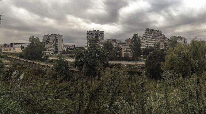 Napolis berygtede ghettobyggeri Le Vele er ved at blive revet ned